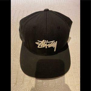 STUSSY snap back hat